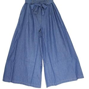 NWT:  size 6-8 flared/wide leg crop pants